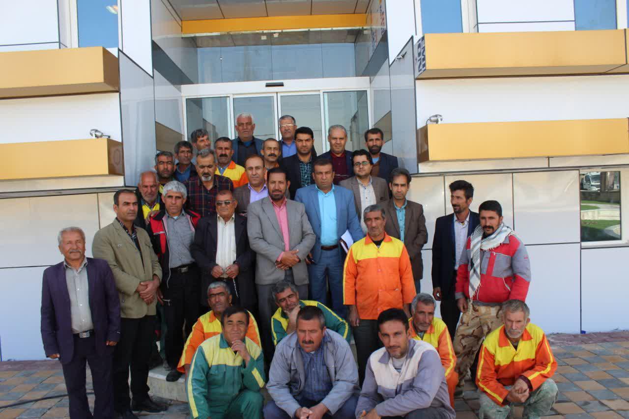 گزارش تصویری در آستانه سال نو؛ پاکسازی معابر شهر باشت با مشارکت پلیس راهنمایی و رانندگی و شهردار باشت+تصاویر