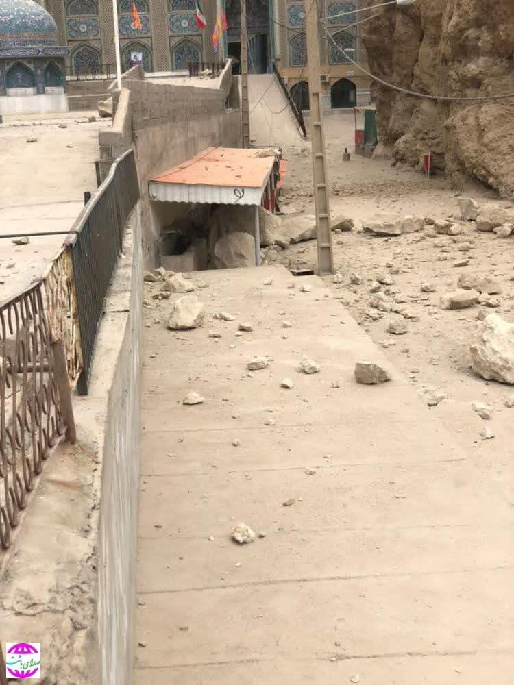 تخریب بخشی از ساختمان امام زاده بی بی حکیمه بر اثر زلزله